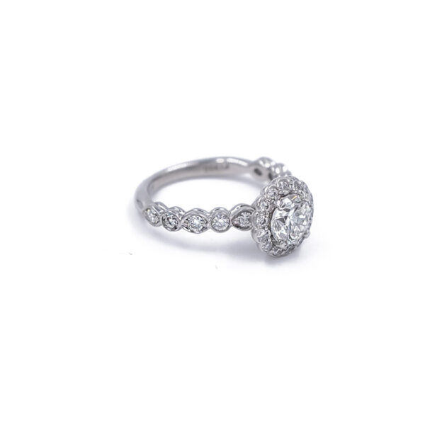 Diamond ring side